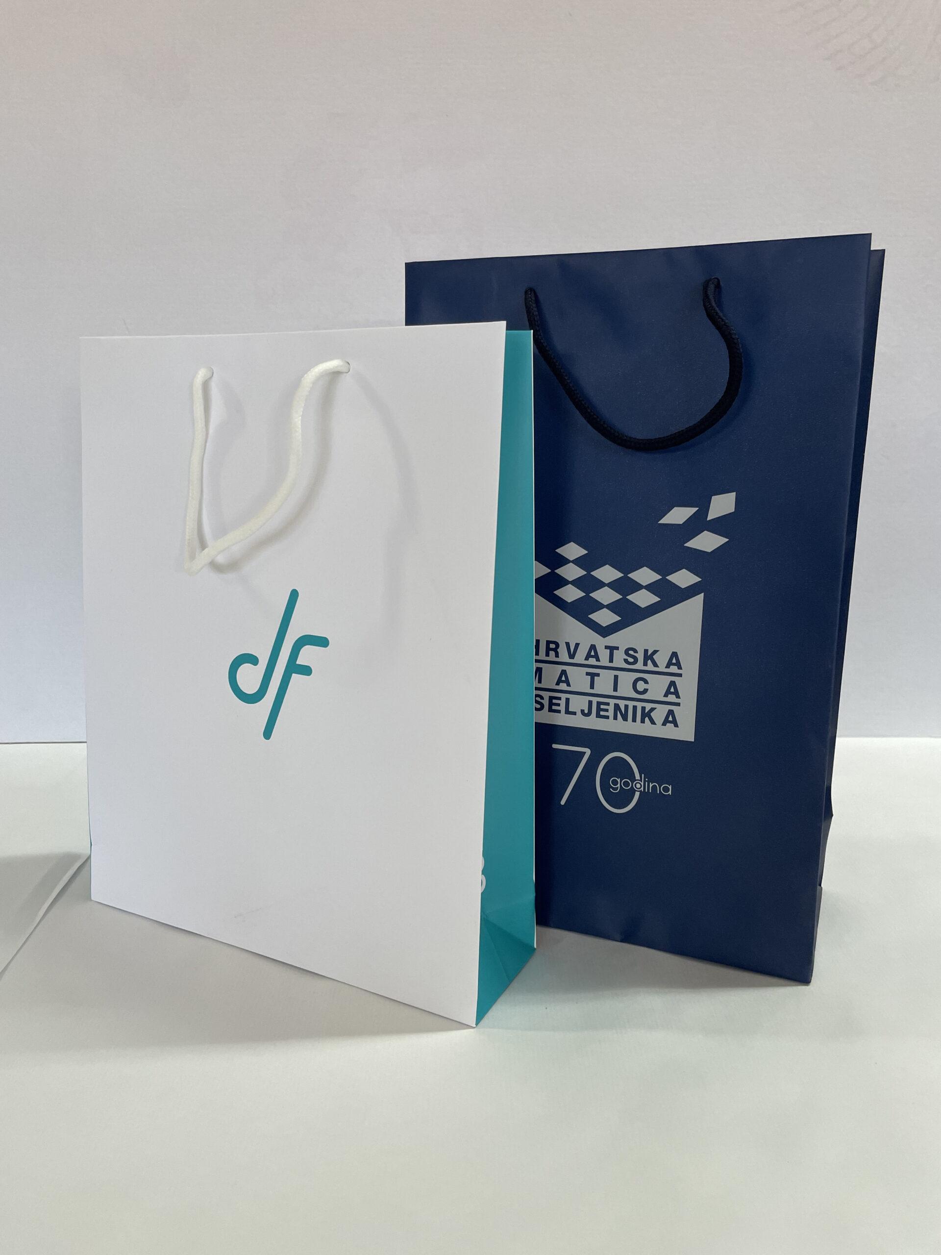vrećice bijela i plava
